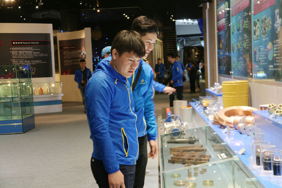 Foreign students embrace Hexi corridor wonders